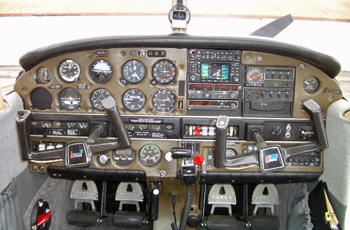 Photo of Piper Archer II N3015U Panel