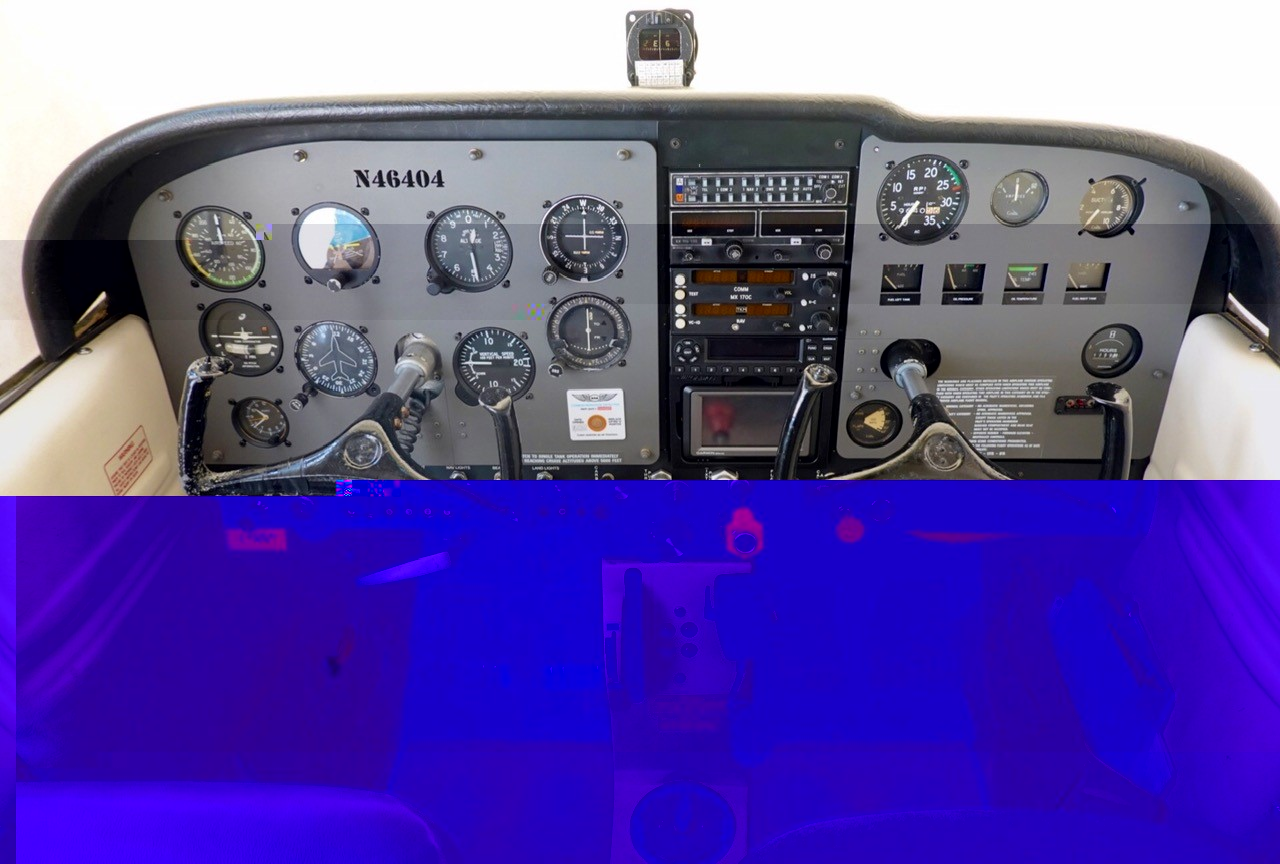 Photo of Cessna 172 N46404 Panel